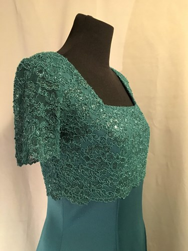 3bba25fd04c9 #077 Vintage Deep Jade Green Lace Bodice Gown ()